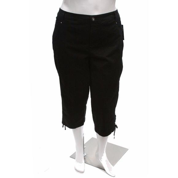 b9b88698ba4 Style Co. Plus Size Tummy Control Capri Deep Black